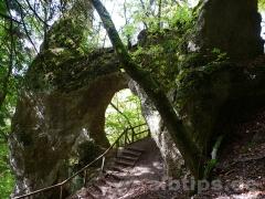Felsentor bei den Grotten im Fürstlichen Park Inzigkofen