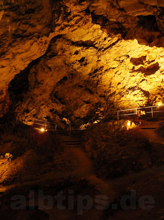hole fels höhle öffnungszeiten