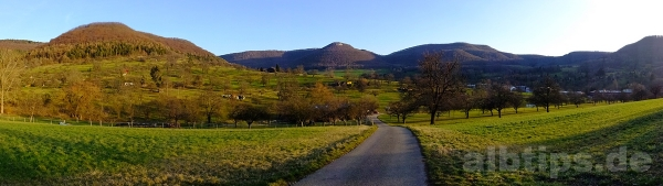 Panoramablick über das Arbachtal zum Mädlesfels