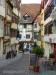 Gasse mit Fachwerkhäusern in Tübingen
