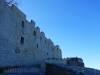 Beeindruckend hohe Mauern der Burgruine Hohenneuffen