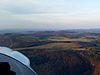 direkt an der Motorhaube ist der Segelflugplatz Übersberg