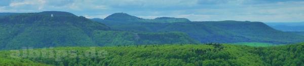 Blick vom Mädlesfels nach Westen Richtung Onderhos und Roßberg