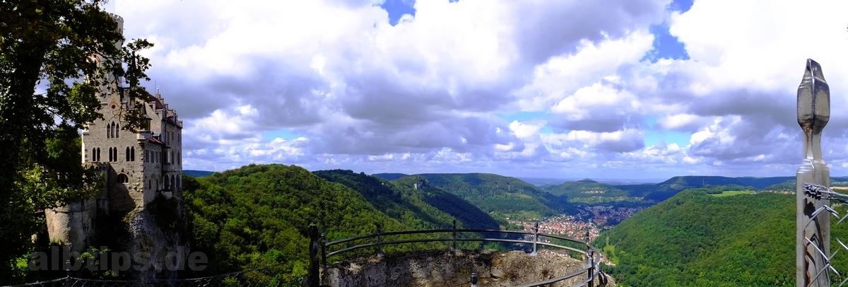 Blick von Schloss Lichtenstein ins Echaztal