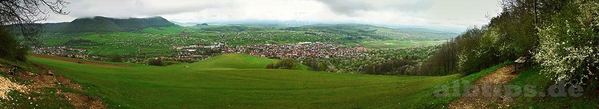 Ausblick über Owen, das Lenninger Tal und das Albvorland