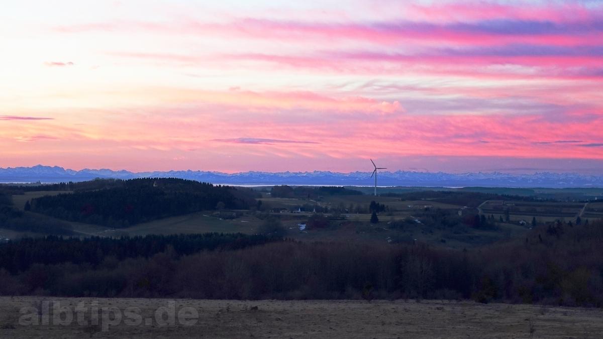 Alpenblick bei Sonnenaufgang vom Gänsewag im ehem. TrÜP Münsingen
