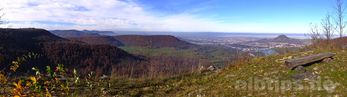 Panoramablick am Mädlesfels - Novembergold vom Roßberg zur Achalm