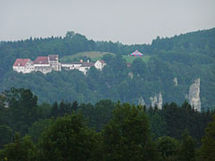 Blick von Irndorf zur Burg Wildenstein