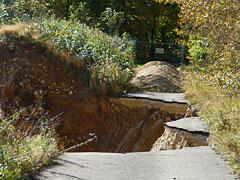Straße weggesprengt am Steinbruch